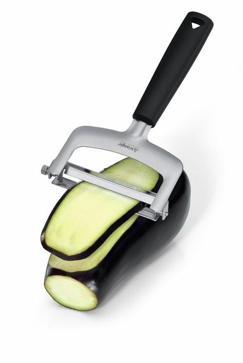 Groentesnijder met mesjes van drie verschillende diktes en handig ophangsysteem in doos